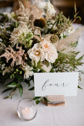 Laura Murray Photography | Emma Lea Floral | Guest Room Creative